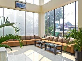 RedDoorz Premium @ Igloo Hotel Cikarang - RedDoorz Twin Room 24 Hours Deal