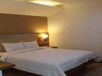 Salvator Hotel Palembang - Executive Double Room Save 55%
