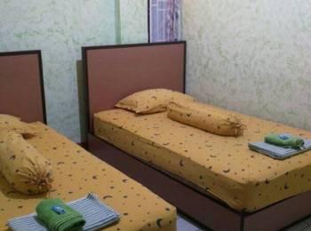 Yani Homestay Padang - Standard with Share Bathroom Regular Plan