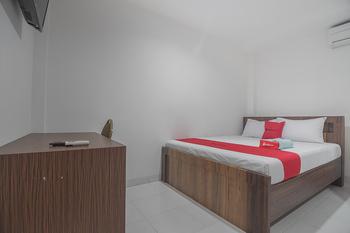 RedDoorz near Living Plaza Balikpapan Balikpapan - RedDoorz Room Last Minute