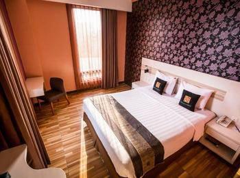 Grand Sovia Bandung - Deluxe Room Queen Bed Regular Plan