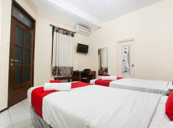 RedDoorz near Brawijaya University Malang - RedDoorz Premium Twin Room with Breakfast Regular Plan