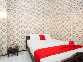 RedDoorz near Brawijaya University Malang - RedDoorz Premium Room with Breakfast Regular Plan