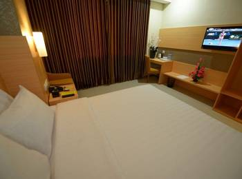 Her Hotel & Trade Center Balikpapan - Deluxe Room with Breakfast Promo PDKT