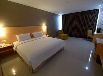 Her Hotel & Trade Center Balikpapan - Executive Room with Breakfast Regular Plan