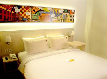 MaxOneHotels Glodok - Happiness Room Only Basic Deal