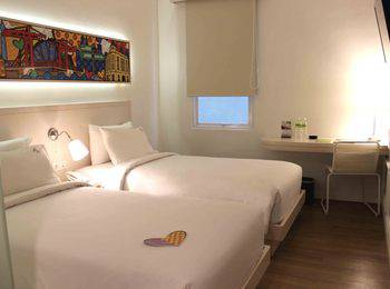 MaxOneHotels Glodok - Happiness Twin Bed Room Only No Smoking Regular Plan