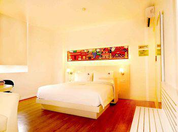 MaxOneHotels Glodok - Warmth Double Bed Room Only Regular Plan