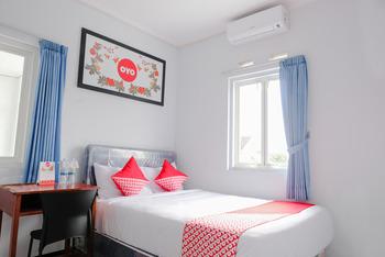 OYO 437 HnR Homestay Syariah Malang - Standard Double Room Regular Plan