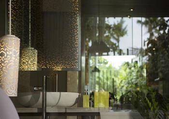 Maya Sanur Resort & Spa Bali - Suite, menghadap pantai (Beachfront Pool Suite) Hemat 30%