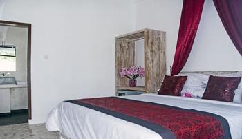 Lombok Senggigi Hotel - Standard Room, Pool View, Poolside Regular Plan