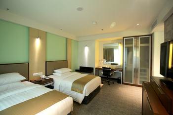 Courtyard by Marriott Bandung Dago Bandung - Premier Room, 2 Twin Beds, Partial View Regular Plan