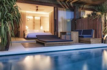Komune Resort & Beach Club Bali - Beachfront Suites Regular Plan