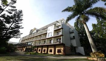 Royal Safari Garden Resort & Convention Bogor - Kamar Double atau Twin Deluks, beberapa tempat tidur, akses ke kolam renang Regular Plan