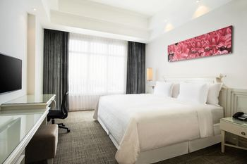 Four Points By Sheraton Bandung - Classic Room, 1 King Bed Regular Plan