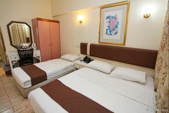 Home Suite View Hotel Singapore - Deluxe Triple Room Diskon 10%