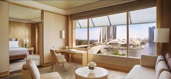The Ritz-Carlton Millenia Singapore - Premier Suite, 1 King Bed, Bay View Regular Plan