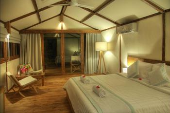 Gili Teak Resort Lombok - Superior Room, 1 King Bed Regular Plan