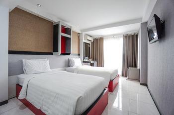 Capital O 3433 Hotel Plaza Manado - Suite Twin Last Minute