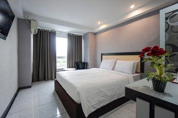 Capital O 3433 Hotel Plaza Manado - Suite Double Last Minute