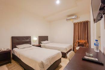 Capital O 3433 Hotel Plaza Manado - Deluxe Twin Room Early Bird