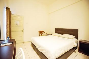 Capital O 3433 Hotel Plaza Manado - Deluxe Double Room Early Bird