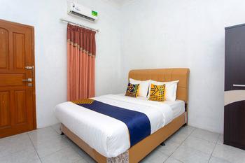 SPOT ON 2830 Azka Guest House Syariah Cilacap - Spot On Double Regular Plan
