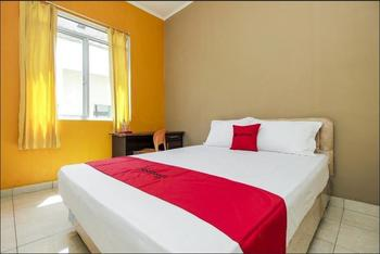 RedDoorz near RSUP Prof. Kandou Manado - RedDoorz Room Basic Deal