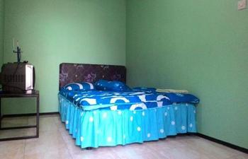 Homestay Adem Ayem 2 Batu - Standard Room Regular Plan