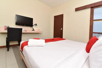 RedDoorz near Legian Street Bali - RedDoorz Room Regular Plan