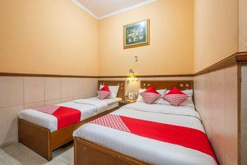 OYO 1446 Patradisa Hotel Bandung - Suite Triple Regular Plan