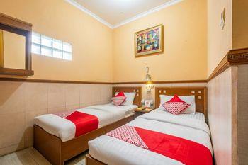 OYO 1446 Patradisa Hotel Bandung - Standard Twin Room Regular Plan
