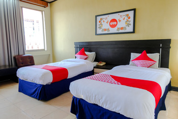 OYO 599 Hotel Bandung Permai Jember - Standard Twin Room Regular Plan