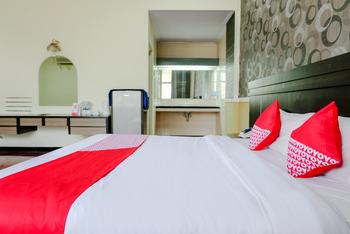 OYO 599 Hotel Bandung Permai Jember - suite double  Regular Plan