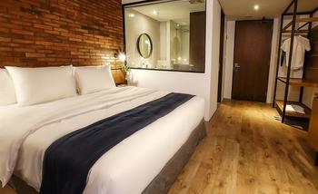 Park 5 Simatupang Jakarta - Standard Room With Breakfast Regular Plan