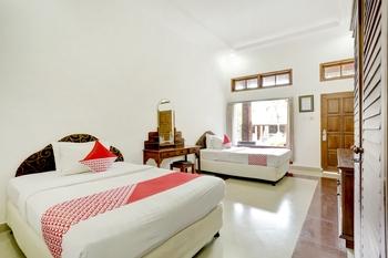 OYO 3261 Hotel Ratu Bali - Deluxe Twin Room Regular Plan