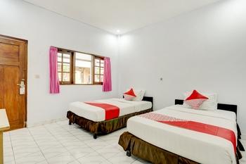OYO 3261 Hotel Ratu Bali - Standard Twin Room Regular Plan