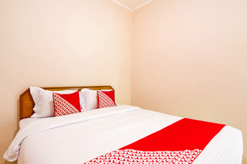 OYO 3252 Lansano Residence Syariah Padang - Standard Double Room Promotion
