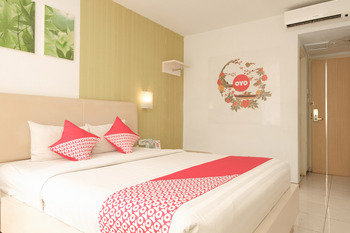 OYO 603 Ebizz Hotel Jember - Standard Double Room Regular Plan