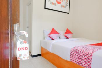 OYO 668 Lovina Inn Malang - Standard Double Room Regular Plan
