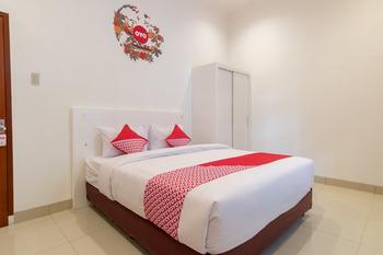 OYO 471 Taj Residence Syariah Medan -  Deluxe Double Room Regular Plan