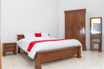 RedDoorz near Jatinangor Town Square Sumedang - RedDoorz Room 24 Hours Sale