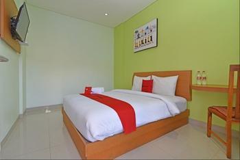 RedDoorz Plus @ Mahendradatta Denpasar Bali - RedDoorz Room Regular Plan