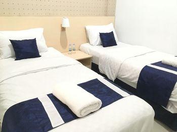 Rumah Teuku Umar Surabaya - Standard Room Twin Breakfast Regular Plan