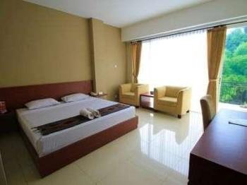 Ubud Hotel Malang - River View Deluxe Room Only Regular Plan