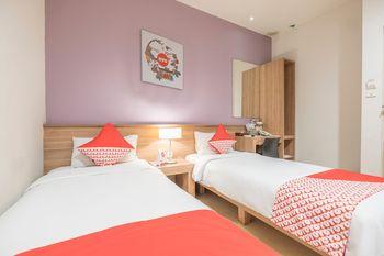 Capital O 1276 Hotel Aswin Makassar - Standard Twin Room Regular Plan