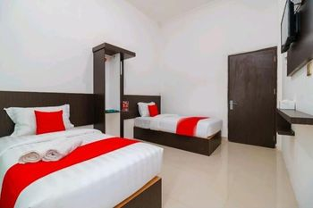 Azzahra Syariah Homestay Bukittinggi - Family Room Regular Plan