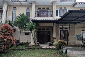 Full House at Villa Kusuma Estate 30