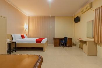 RedDoorz Plus near Pantai Malalayang Manado Manado - RedDoorz Premium Room Basic Deal