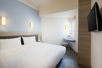 Amaris Hotel Satrio Kuningan - Smart Room Hollywood Regular Plan